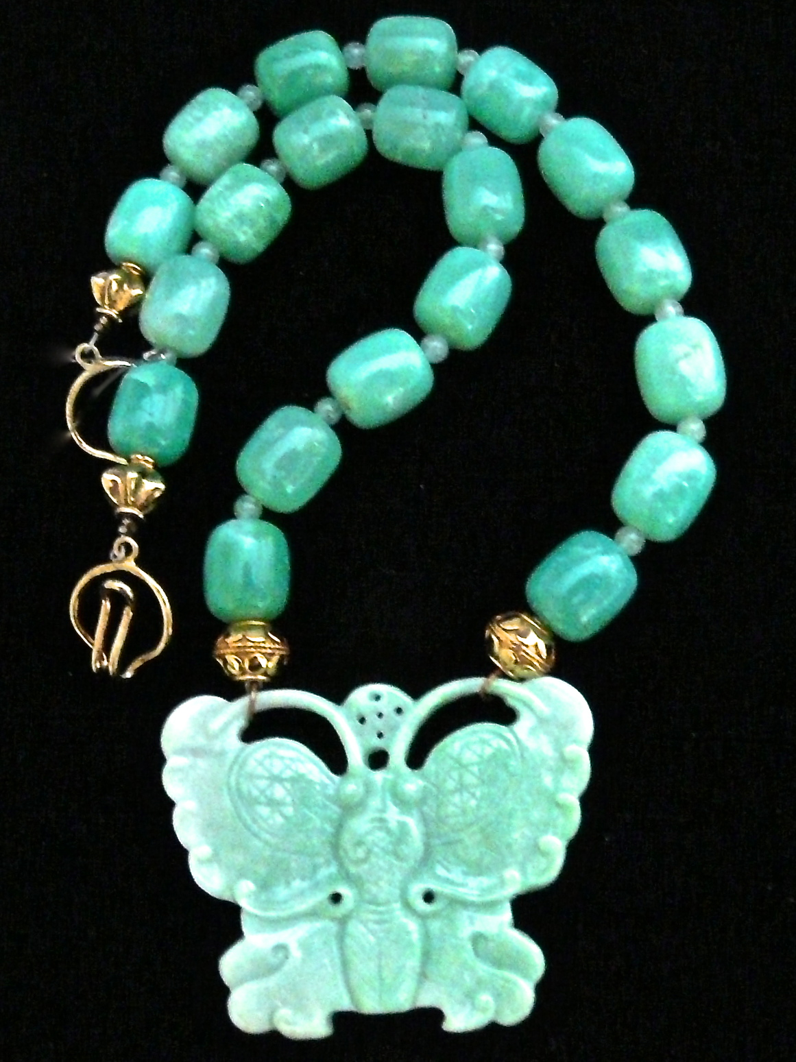 C3577 alt green jade butterfly, Chrysophase Necklace